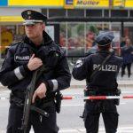 توجيه اتهامات الشروع في القتل لألماني هاجم حشودا بسيارته في مدينتين