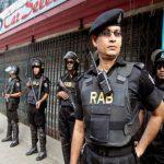 شرطة بنجلادش تفرق آلاف المحتجين من عمال صناعة الملابس