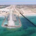 موقع إسرائيلي: عجز استخباري وراء إقدام إسرائيل على إنشاء حاجز بحري في غزة