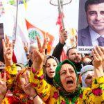 الشرطة التركية تقمع تظاهرة داعمة للأكراد في إسطنبول