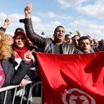 تونس.. متظاهرون يغلقون مداخل تطاوين