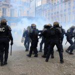 مراسل الغد: إصابات جراء اشتباكات بين متظاهري السترات الصفراء والشرطة الفرنسية