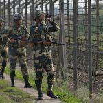سكان في كشمير يفرون خشية اندلاع حرب بين باكستان والهند