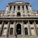 بنك إنجلترا يتفاجأ من تصويت عضوين لصالح خفض أسعار الفائدة