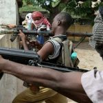 مسلحون يقتلون 9 من عمال النظافة خارج مقديشو