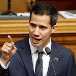 جوايدو يحذر الجيش الفنزويلي: منع المساعدات جريمة ضد الإنسانية