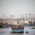 الحكومة الفنزويلية تمنع السفن من مغادرة موانىء البلاد