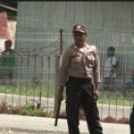 إندونيسيين يفرون من أعمال العنف في إقليم بابوا