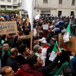 رئيس الرابطة الجزائرية للغد: تقديم العطلة الجامعية هدفه إبعاد الطلاب عن المظاهرات