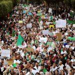 بعد شهر من الحراك الجزائري.. المعارضة تجتمع لوضع خارطة طريق