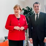ماكرون وميركل يجتمعان قبل يوم واحد من قمة الاتحاد الأوروبي