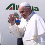 البابا فرنسيس يصل المغرب في زيارة تاريخية تستغرق يومين