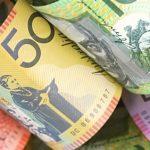 الدولار الأسترالي واليوان يصعدان مع تحسن الإقبال على المخاطرة