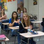الأحقاد السياسية والعنصرية تتفشى في المدارس الأمريكية
