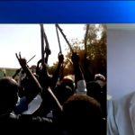 مراسلنا: احتجاجات بالعصي والأسلحة البيضاء في السودان