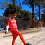 محمد صلاح الإيراني.. طفل يقلد نجم ليفربول الإنجليزي