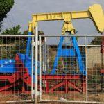 واشنطن ترجح انخفاض إنتاج النفط في فنزويلا إلى أقل من مليون برميل