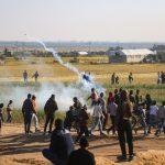 بينهم 5 مسعفين و4 صحفيين.. ارتفاع عدد المصابين برصاص الاحتلال إلى 37