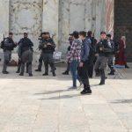 شرطة الاحتلال تفتح المسجد الأقصى بعد محاصرته