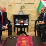 رئيس الوزراء الفلسطيني يدعو لإنقاذ حل الدولتين