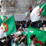 الجمعة العاشرة.. هذه أهم مطالب المتظاهرين بالجزائر