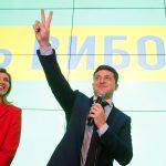 ممثل كوميدي يتقدم بقوة نحو رئاسة أوكرانيا