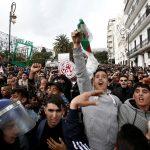 الجمعة العاشرة.. متظاهرو الجزائر يحتشدون في العاصمة