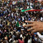 جمعة التسامح.. السودانيون يواصلون الاعتصام في الخرطوم