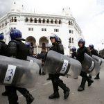 إصابة 24 شرطيا خلال مظاهرة للعاطلين عن العمل في الجزائر