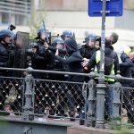 صور| مواجهات بين محتجي السترات الصفراء والشرطة الفرنسية