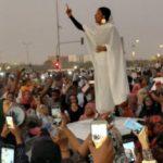 قيادي بالحرية والتغيير: المرأة السودانية شكلت أيقونة الثورة