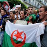 مظاهرات بالجزائر للمطالبة برحيل أويحيى