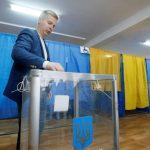 استطلاعان: فوز ساحق للممثل الكوميدي زيلينسكي بانتخابات الرئاسة في أوكرانيا