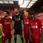 ظهور صلاح بقميص ليفربول الجديد يؤكد علي بقاءه مع الريدز