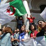 الجزائر.. الاحتجاجات تتصاعد وحملات مرشحي الرئاسة مستمرة