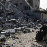 رمضان غزة.. يواجه قصف الاحتلال