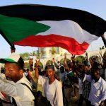 بعيدا عن السياسة.. عالم متنوع داخل اعتصام الخرطوم