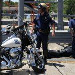 تعرض أفراد الشرطة المرافقين لموكب ترامب لحادث
