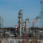 النفط يرتفع لليوم الخامس بسبب توقعات تمديد خفض الإنتاج