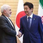 رئيس وزراء اليابان يعبر لوزير خارجية إيران عن قلقه إزاء التوتر المتزايد بالشرق الأوسط