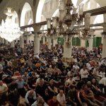 مئات المصلين يعتكفون في المسجد الأقصى