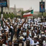 صدمة واتهامات متبادلة.. خلاف جديد بين المعارضة والعسكري السوداني