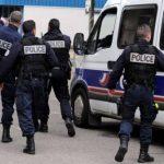الشرطة الفرنسية تفكك خلية يمينية متطرفة تخطط لمهاجمة أماكن عبادة