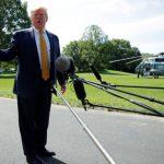 ترامب يؤجل حملات الترحيل الجماعي للمهاجرين