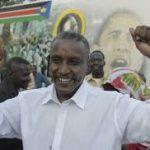ياسر عرمان محرر المهمشين.. مناضل من الشمال إلى جنوب السودان