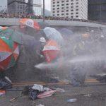 إرجاء مناقشة مشروع قانون مثير للجدل في هونج كونج.. وتفريق الاحتجاجات
