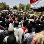 الصحف السودانية: قوى التغيير تحذر.. والعسكري ينذر ويهدد