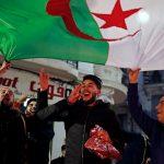 النشيد الوطني يدوي في الشارع الجزائري
