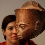 مصر تطالب بوقف بيع تمثال توت عنخ آمون.. والمزاد يبدأ اليوم