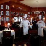صور| مطعم شهير يعود للحياة بعد تخريبه أثناء شغب السترات الصفراء بباريس